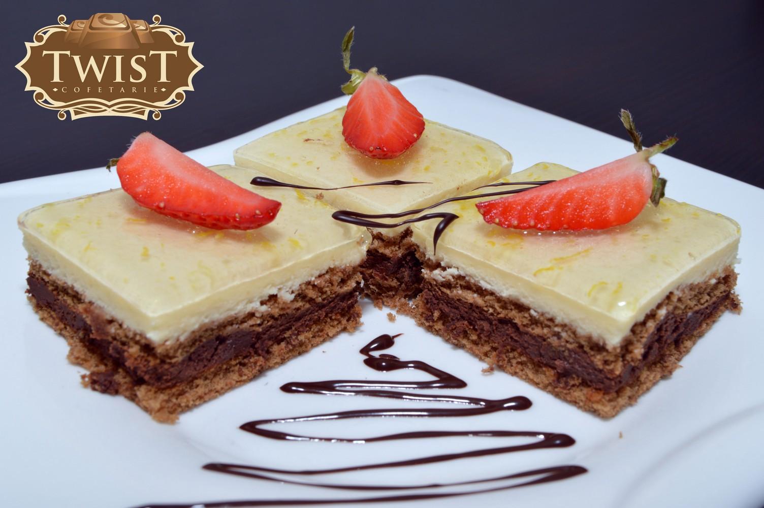 Mini Mousse de Ciocolata si lamaie